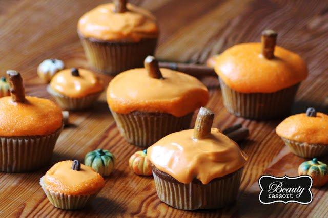 Pumpkin Cupcakes_5