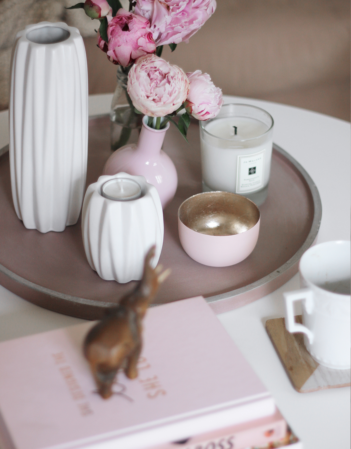 Coffee-table-setting-3