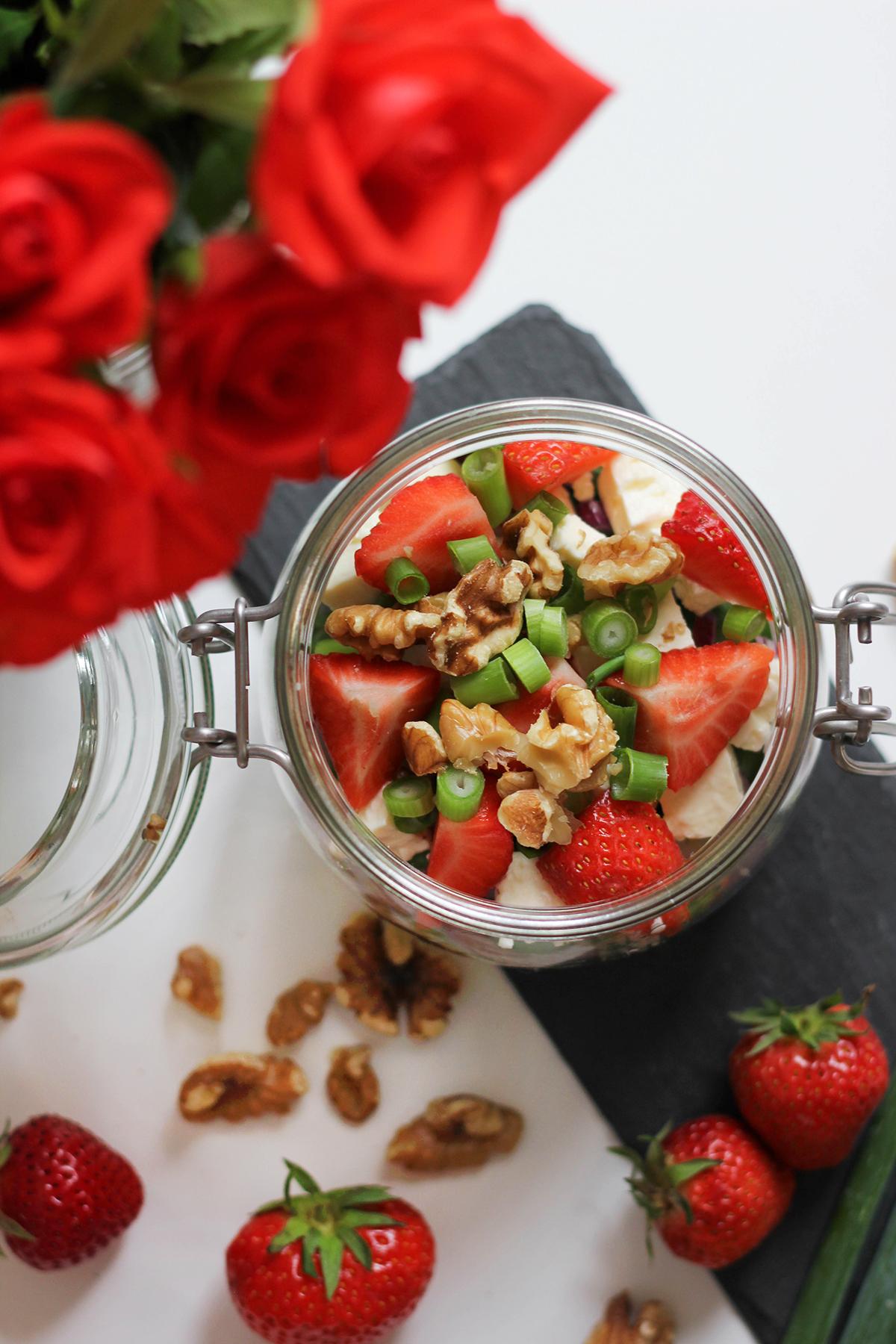 cous-cous-erdbeer-walnuss-salat-mit-feta