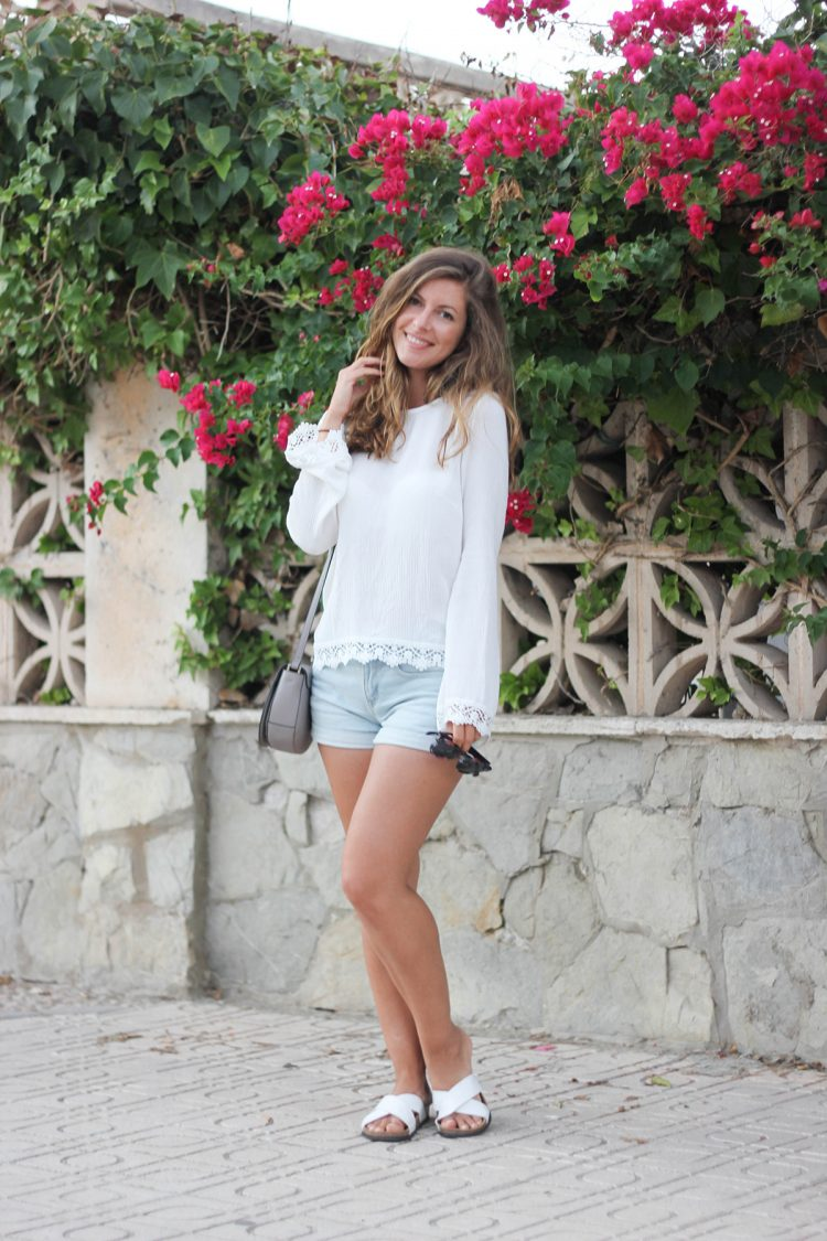 outfit-mallorca-weiße-bluse