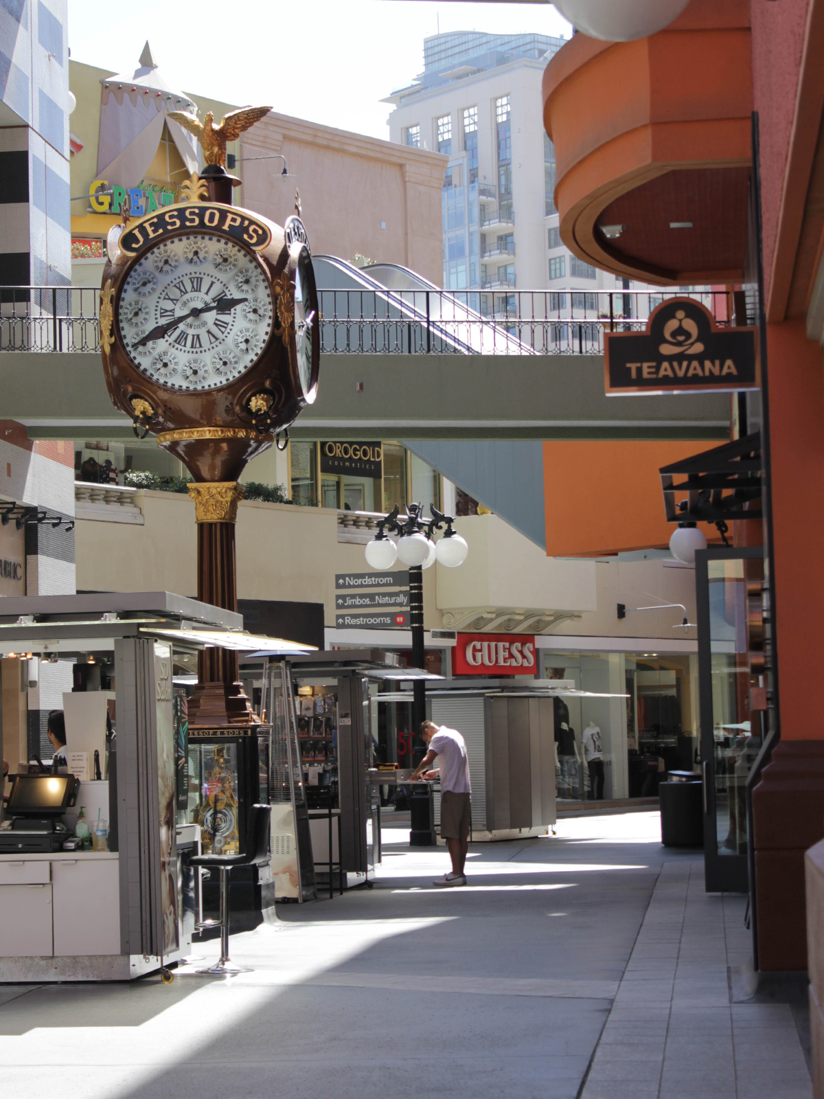 travel-san-diego-shopping-beauty-ressort