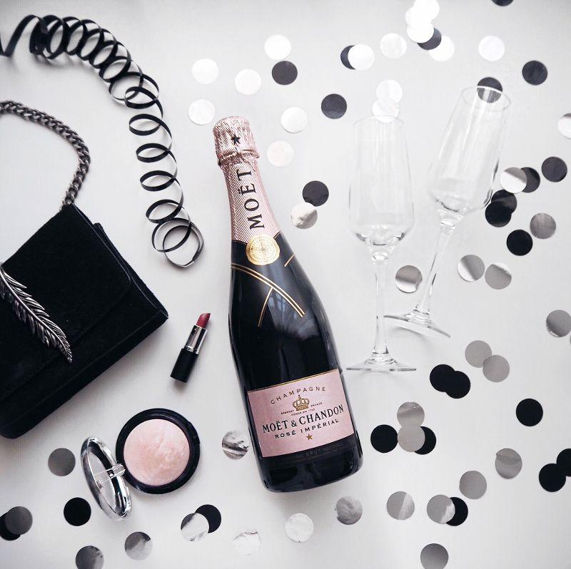 beautyressort-silvester-flatlay-moet-champagner